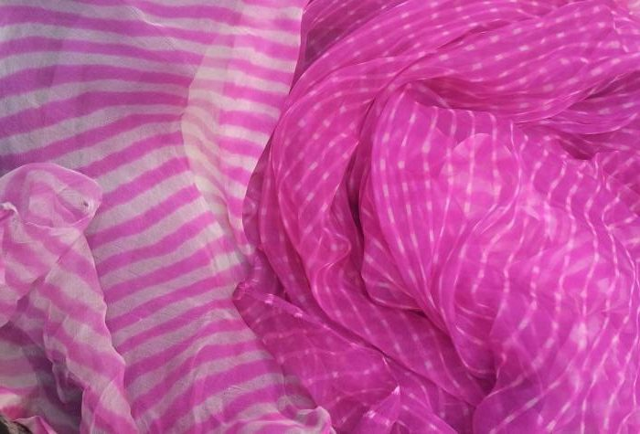 Pink Leheria Dupattas (Image: http://www.pinterest.com)