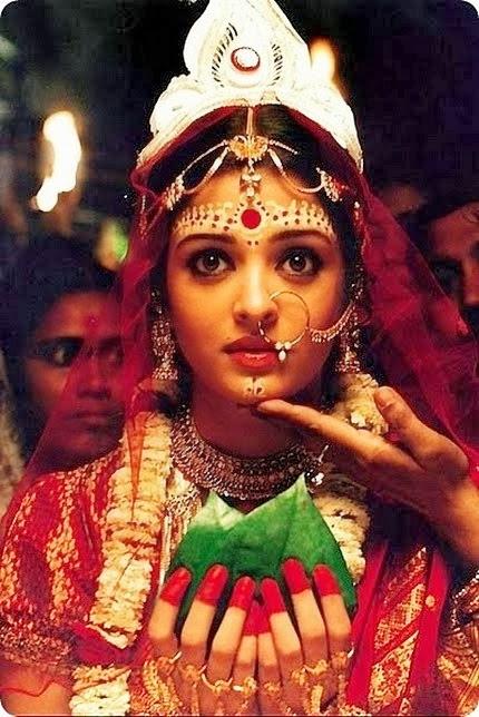 Bengali Bride enacted by Aishwarya Rai (Image Courtesy: sparkle with surabhi)