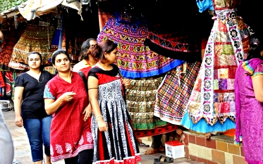 Ahmedabad Style Hubs get a Peek-a-boo!