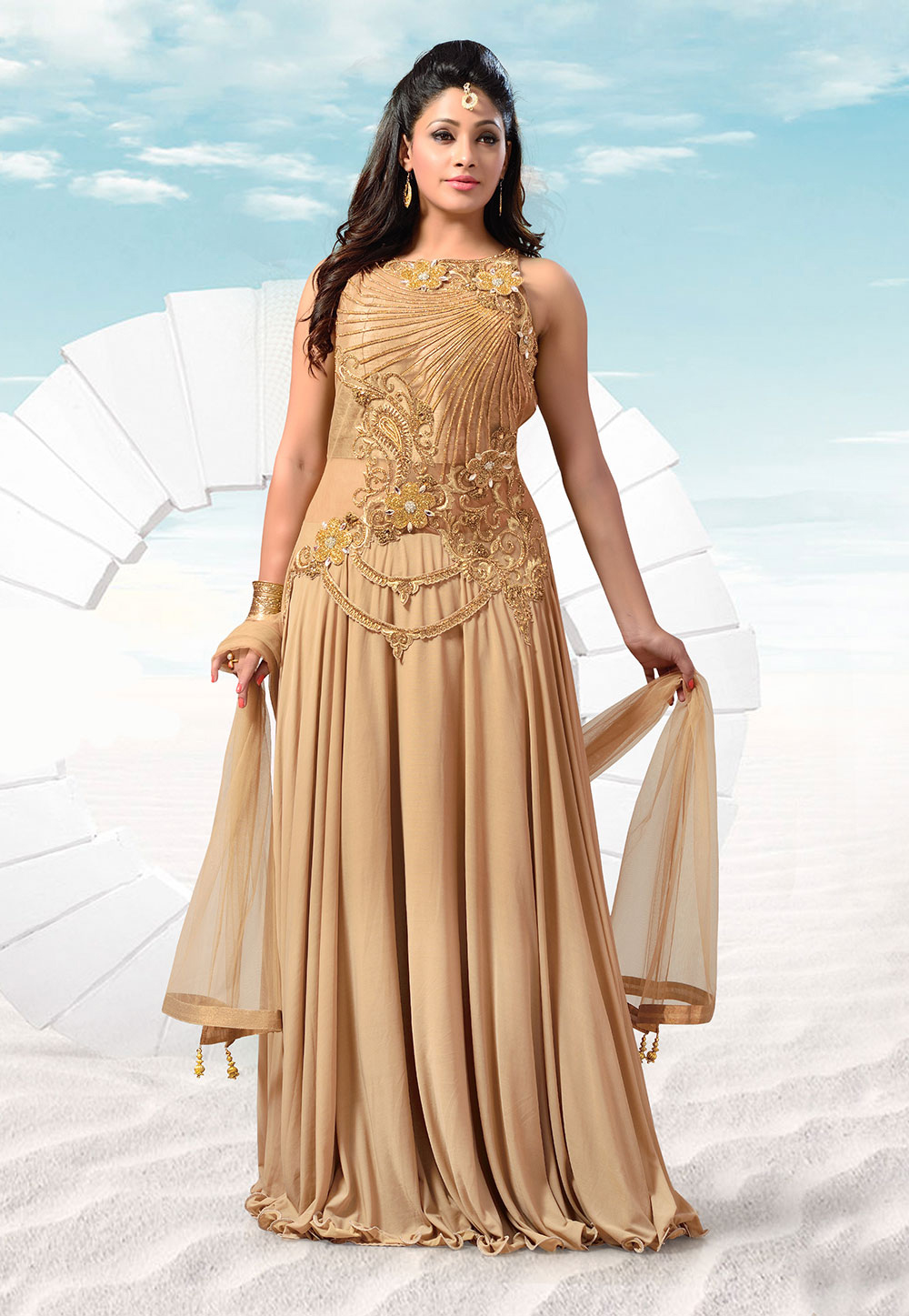 An Abaya style churidar Kameez in golden color. (Image: Utsavfashion.com)