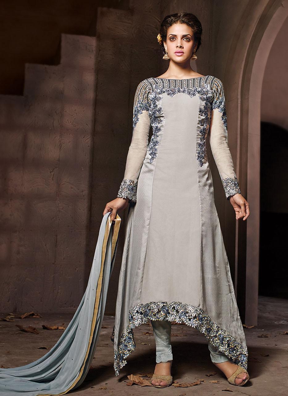 A trendy Grey Salwar Kameez. (Image: Gravity-fashion.com)