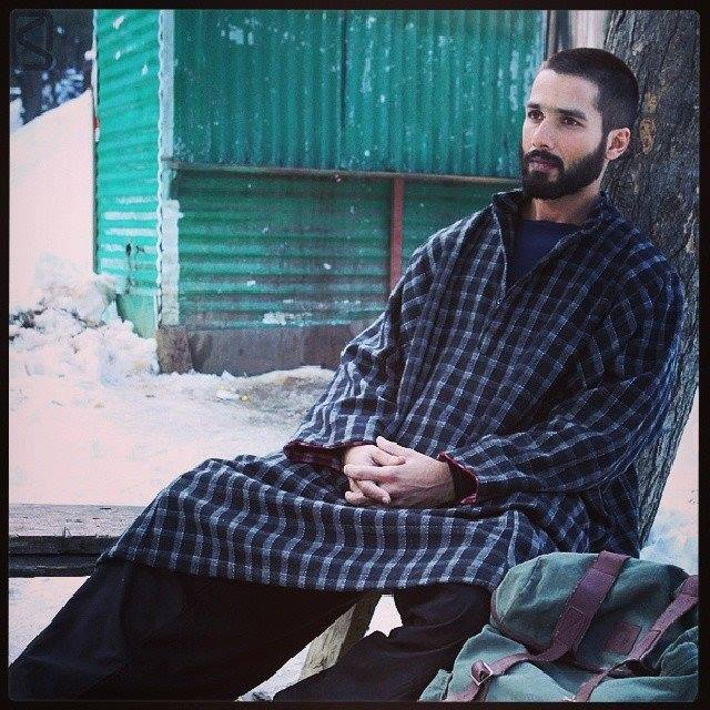 About Pheran And Poots Kashmiri Attires | Utsavpedia