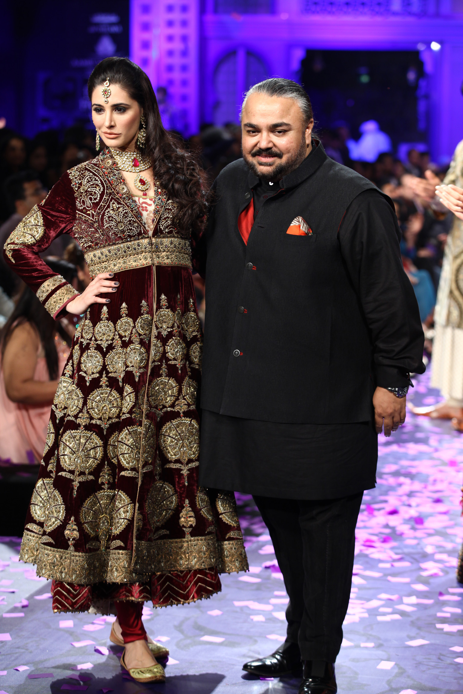 Famous Fashion Designer Dresses Ficts