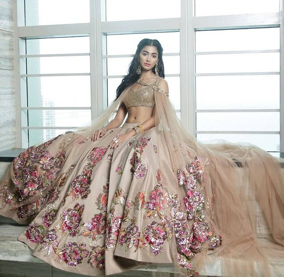 Facts About Neeta Lulla Sarees Collection and Designs