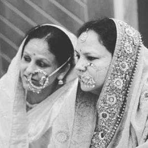 women-wearing-pahari-nath