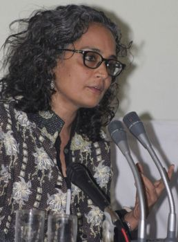 Suzanna Arundhati Roy: Her Sense Of Style And Literary