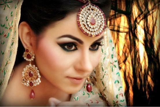 Maang Tikka: Jewelry For Indian Brides   Utsavpedia