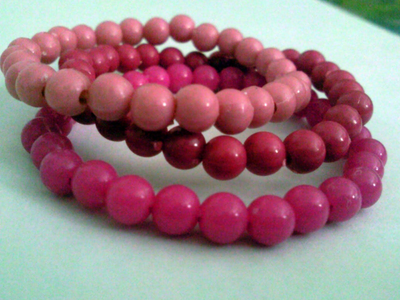 All About Plastic Beads Jewelry, Bracelet and Art | Utsavpedia