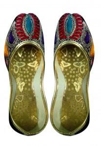 209b13187 Women s Juti or Nagra at Utsav Fashion