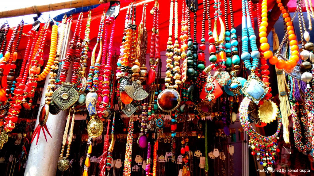 Junkie Jewels – Beading Pellets from Indian Streets