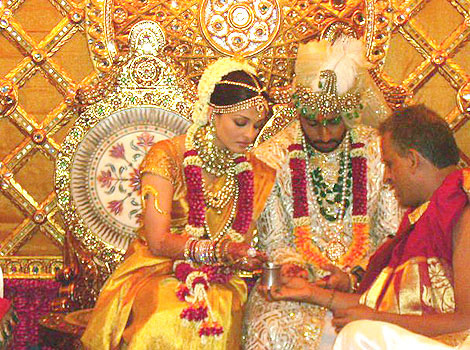 Abhishek Bachchan And Aishwarya Rai Wedding Ceremony Utsavpedia