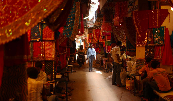 Hues of Jaipur textiles (Image Courtesy: Pedro-Gordo Flickr)