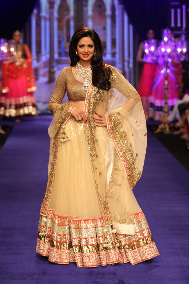 Sridevi walks for Golecha Jewels