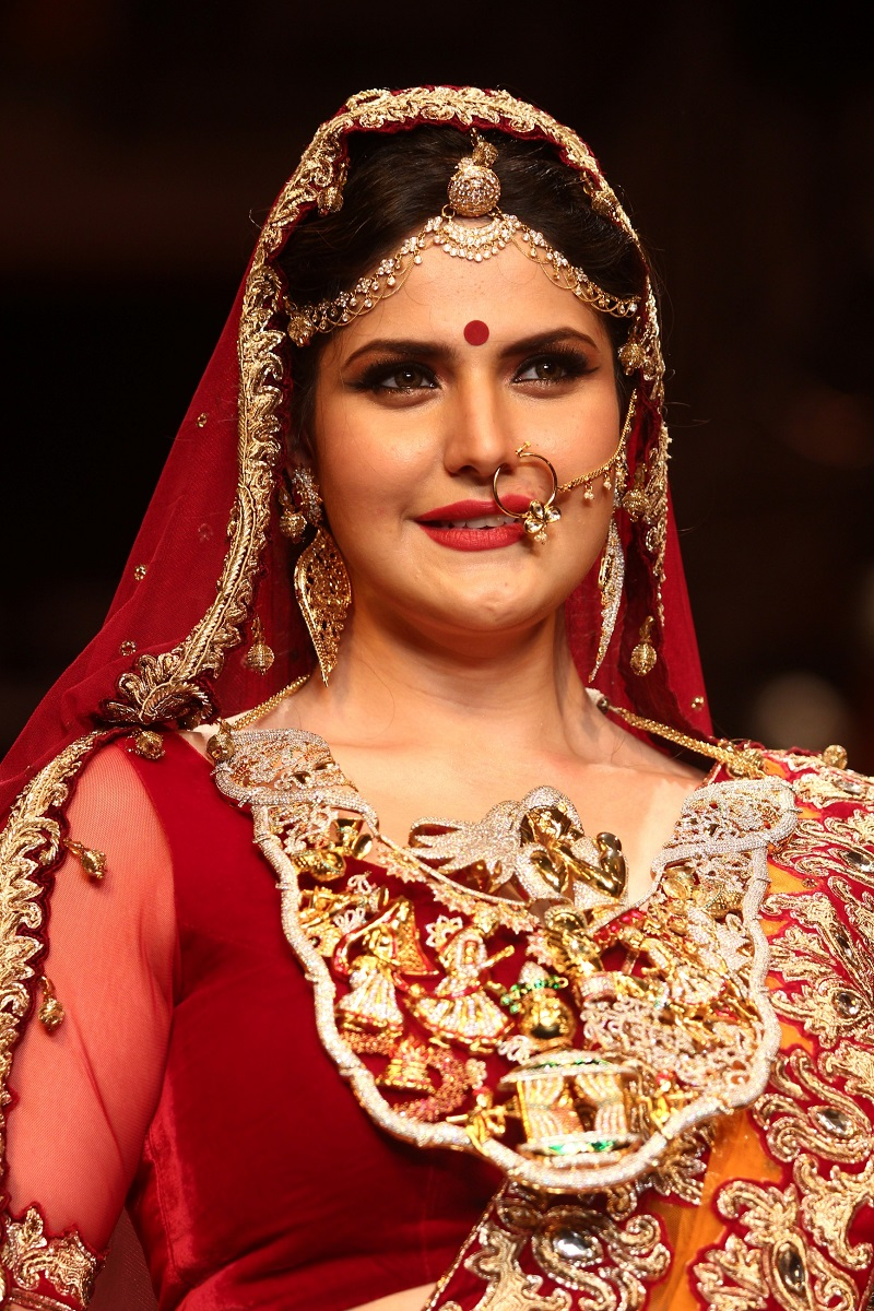 Zarine Khan walks for Swarovski