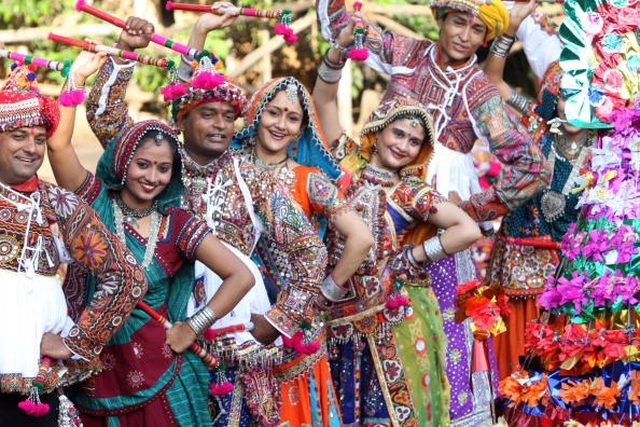 Navratri Celebration (Image: Go india)