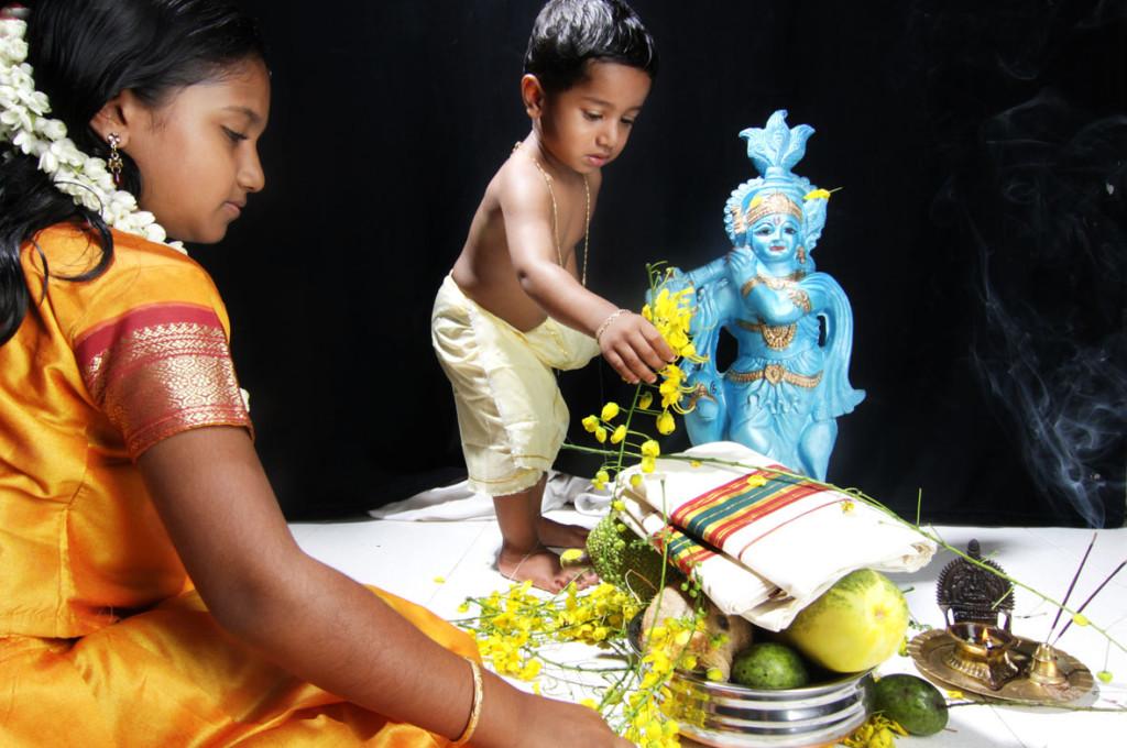 3. httpkeralatourpackagesinfo.co.invishu-festivals-kerala