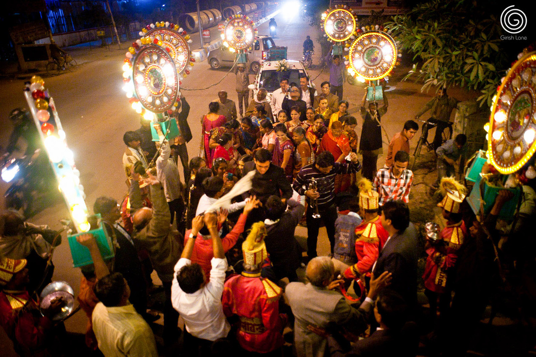 Baraat a celebration by the grooms family and friends utsavpedia baraat grooms wedding procession in north india junglespirit Images