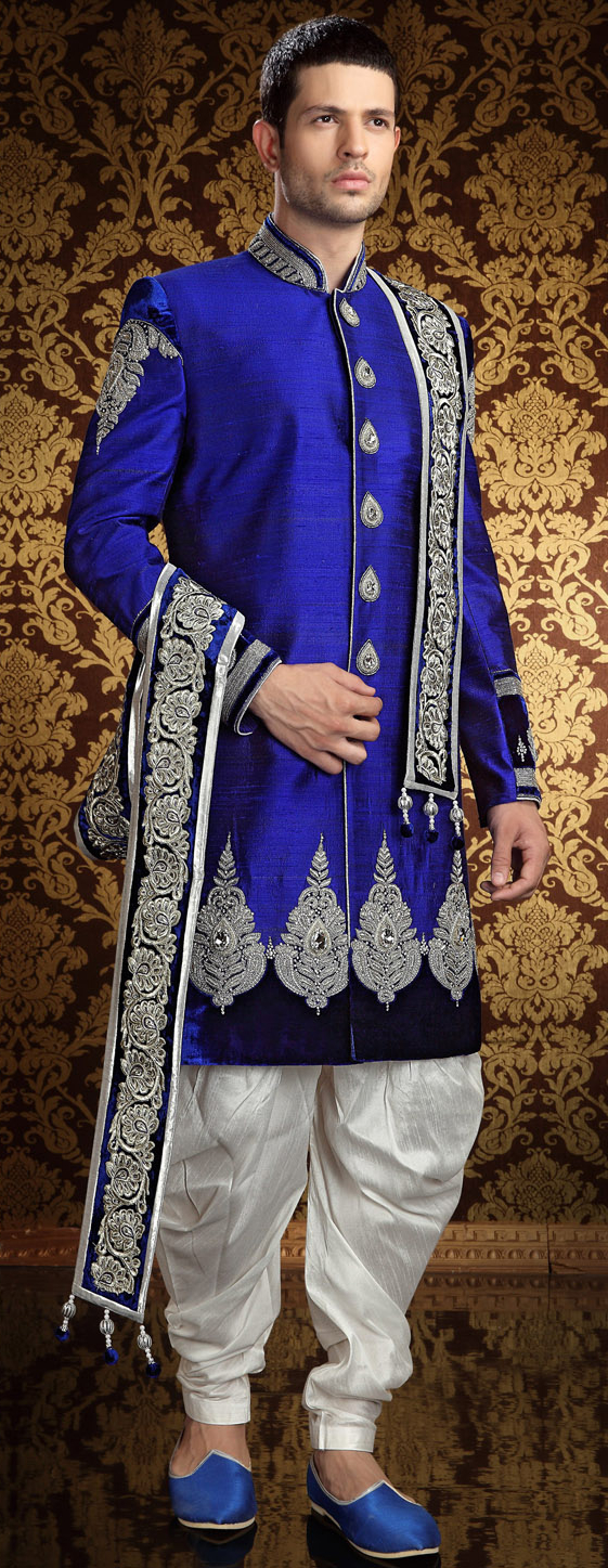 Traditional Sherwani with Dhoti. (Image: Utsavfashion.com)