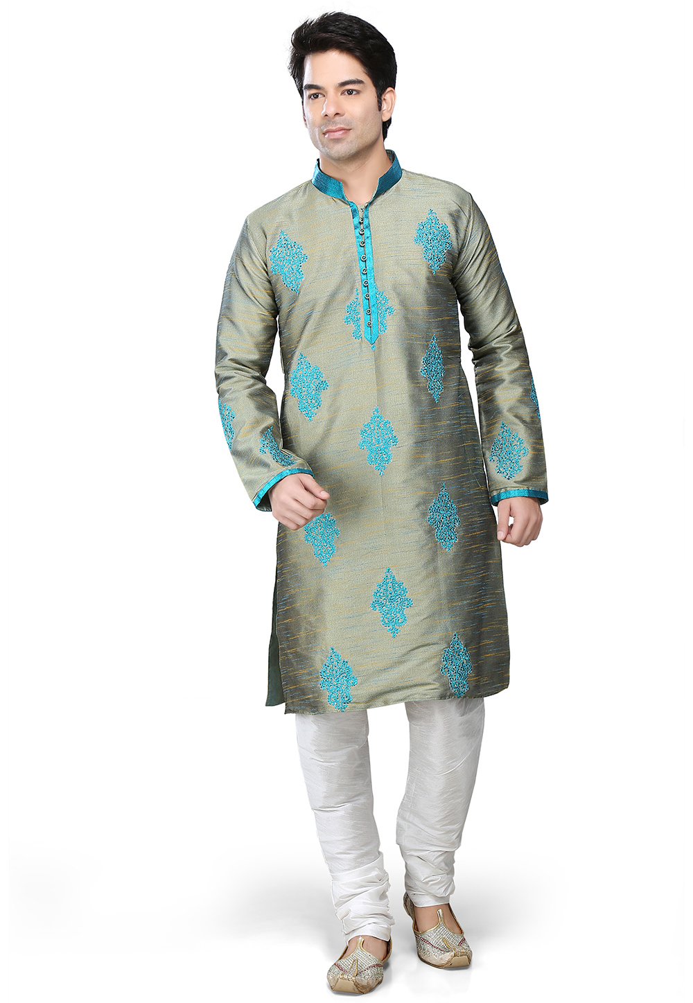 Regal Kurta Payjama. (Image: Utsavfashion.com)